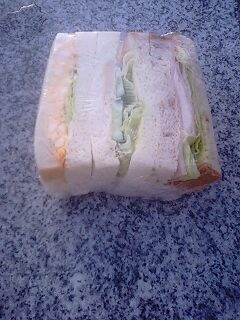 ナワテ通りのサンドイッチ専門店