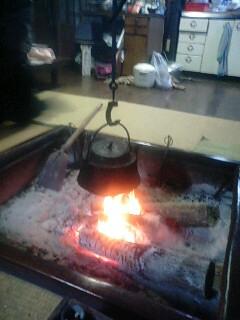 囲炉裏で乾杯