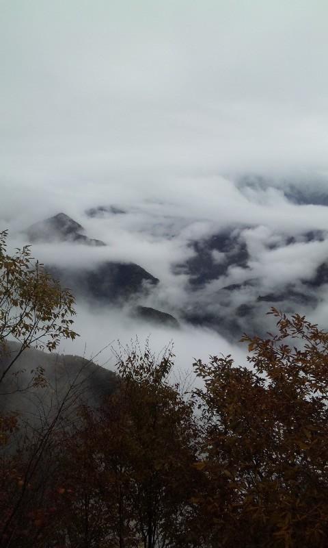 雲の中から…